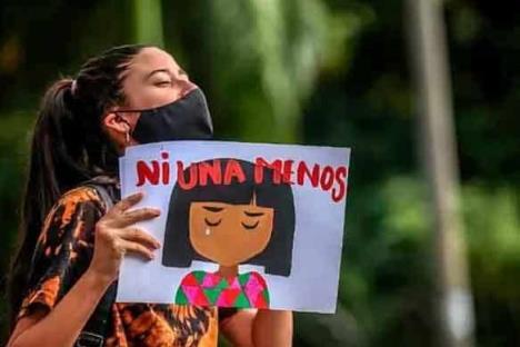 Luto en Colombia al morir niña por violación