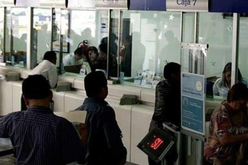 Ganancias de bancos en México caen 31% en mayo: CNBV