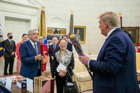 Agradece AMLO a Trump trato digno a México