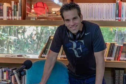 Loret de Mola formaría parte de Televisión Azteca