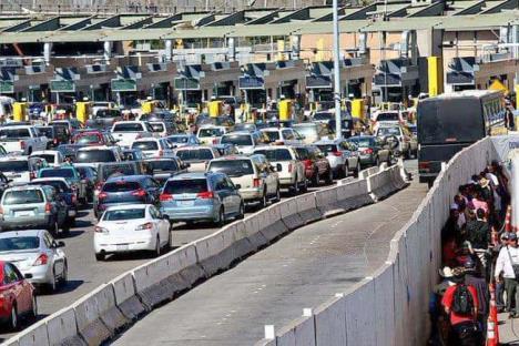 Alargan México y EU cierre parcial de la frontera