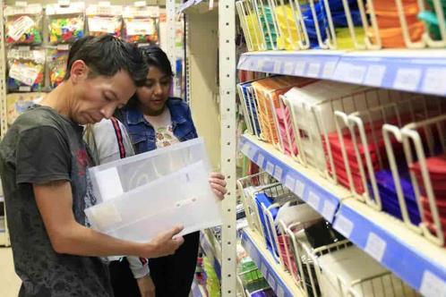 Tras 4 meses cerradas,reabren 120 mil papelerías y librerías