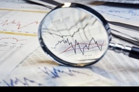 Analistas amplían a -10% previsión de caída del PIB