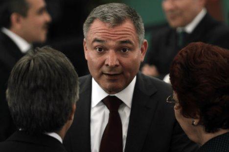 Van 18 funcionarios separados por vínculos con García Luna