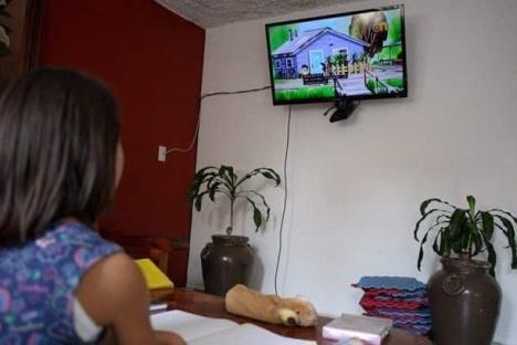 Aprueba INE destinar tiempo oficial de partidos a educación
