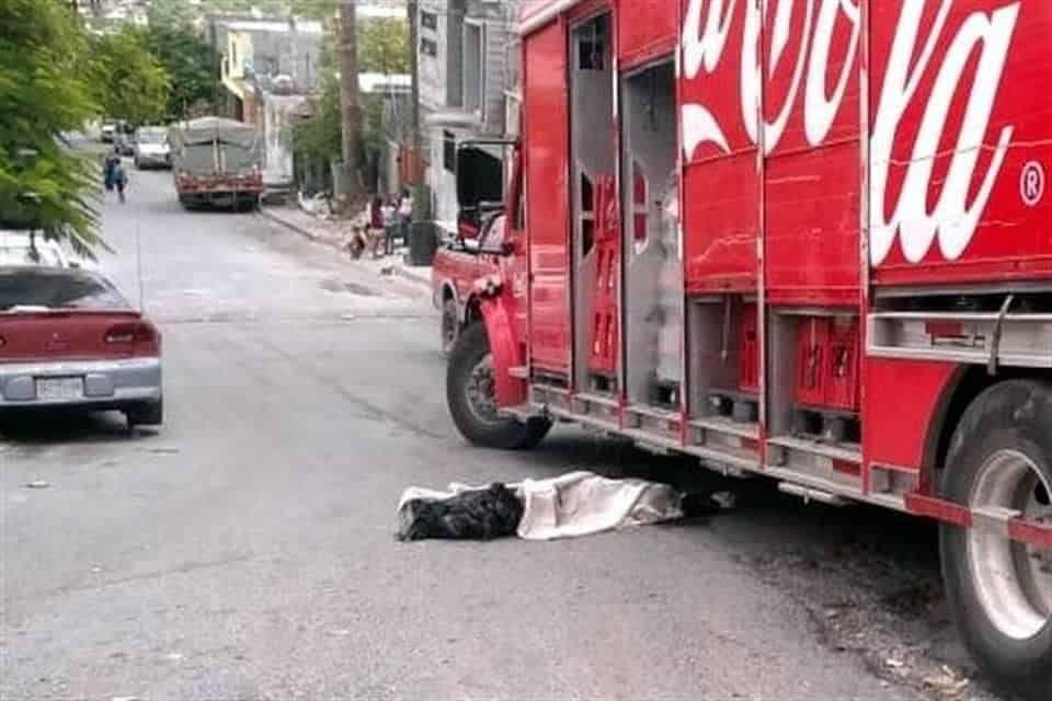 Perdió la vida al ser arrollado por el camión repartidor
