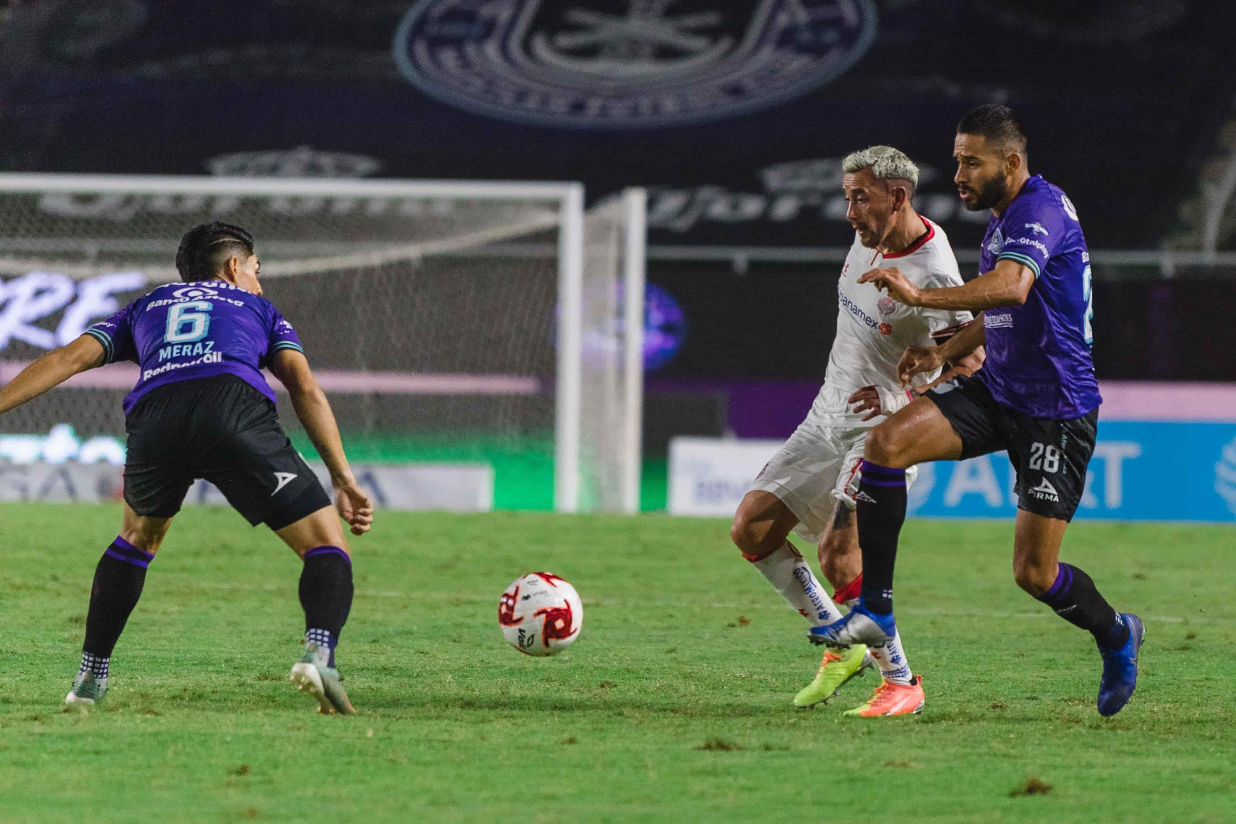 Vence Mazatlán 2-1 a Toluca