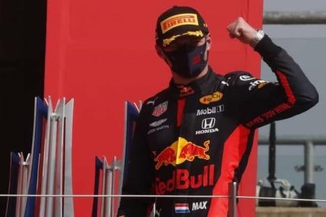 Max Verstappen gana el Gran Premio del 70 aniversario