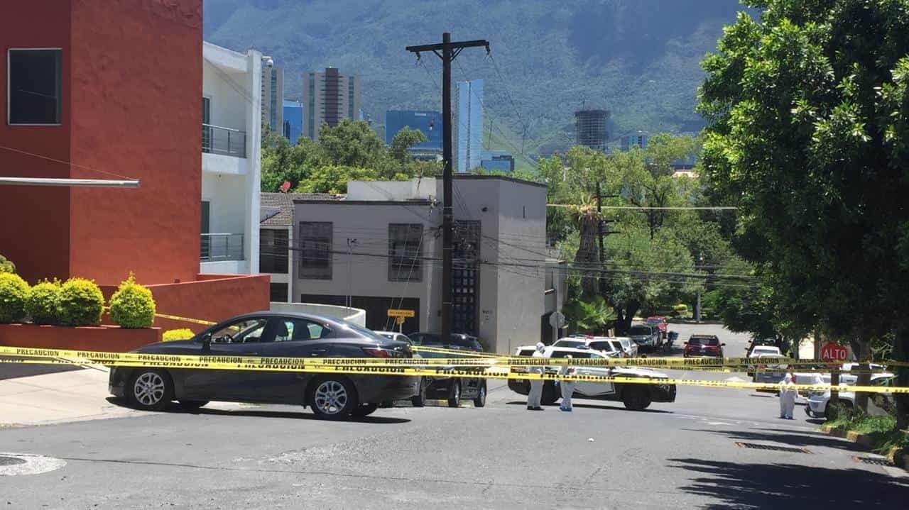 El abogado fue ejecutado en su auto frente a un despacho