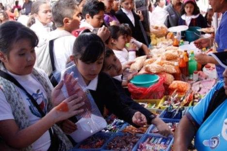 Proponen prohibir venta de refrescos a menores en Sinaloa
