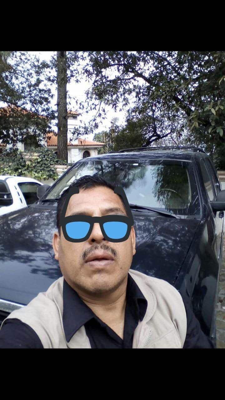 La persona fallecida es Ricardo Julián Morales, de aproximadamente 55 años de edad