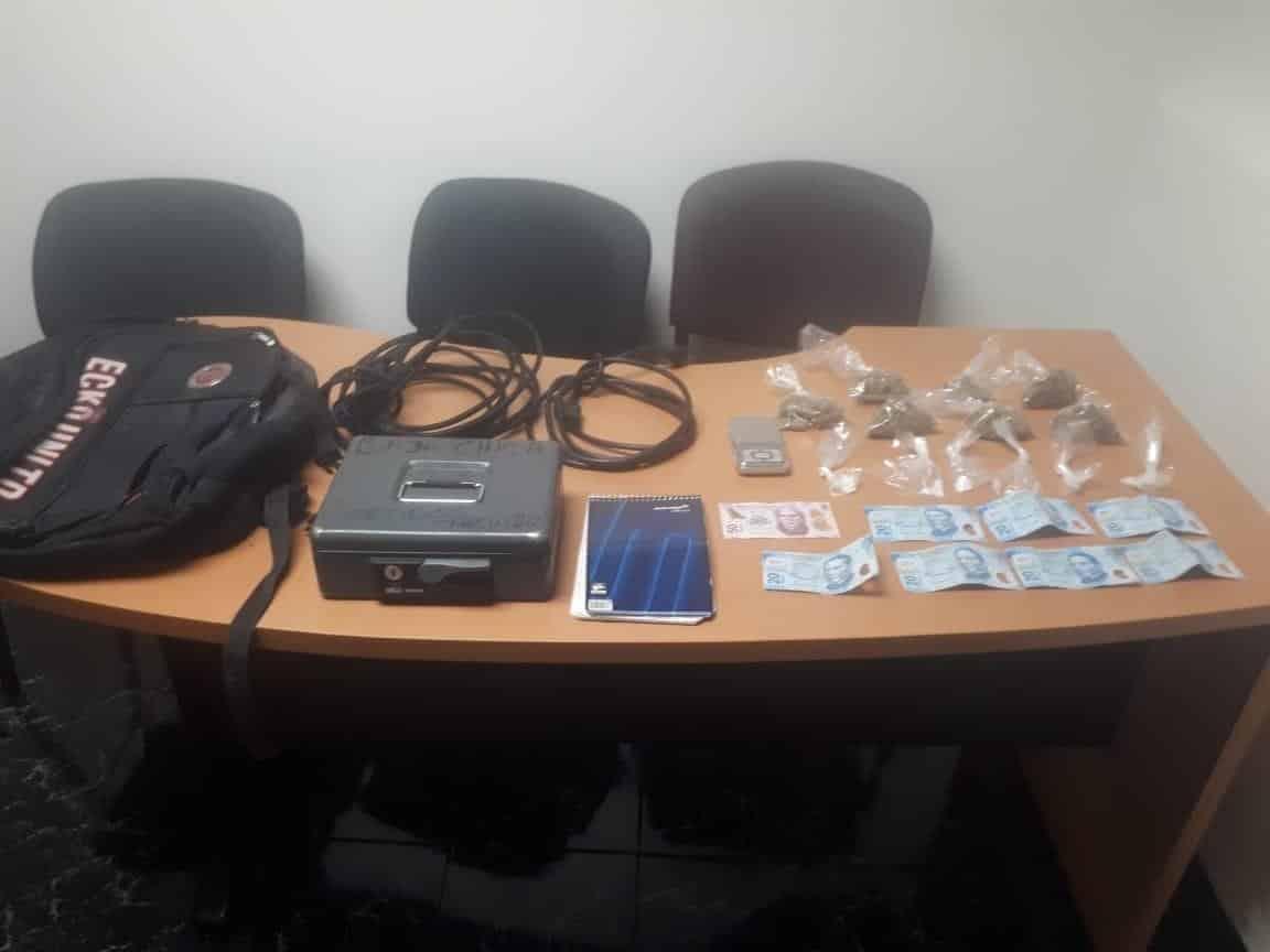 La persona ya se encontraba recluida en el Penal de Apodaca, luego de su arresto en el municipio de García, donde fue interceptado en posesión de droga