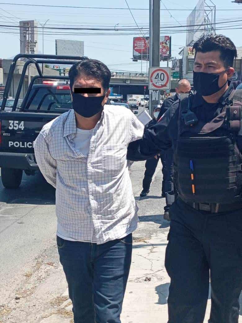 Asaltó con lujo de violencia una sucursal de Banco Famsa