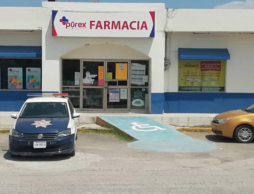 Hombres armados asaltaron con lujo de violencia una farmacia