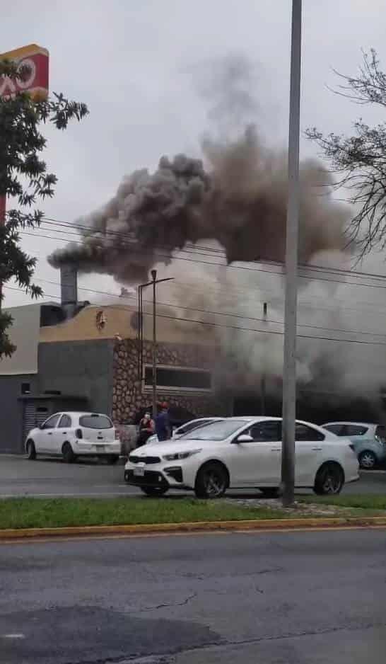 Fue necesaria la evacuación de unas 55 personas, entre empleados y clientes