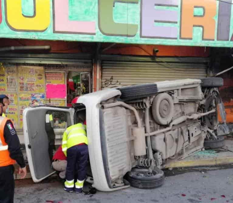 La conductora de la camionetaresultó con lesiones