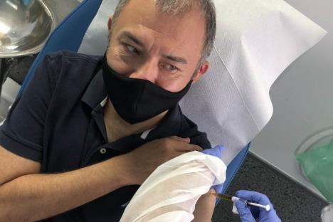 Ernesto, primer mexicano vacunado