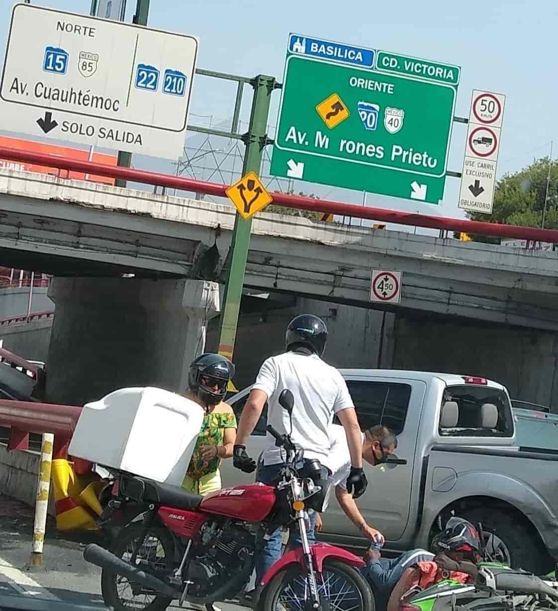 El motociclista resultó con diversas lesiones