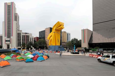 Frenaaa libera avenida Juárez en CDMX