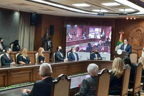 Presume Adrián finanzas sanas en segundo informe de Gobierno