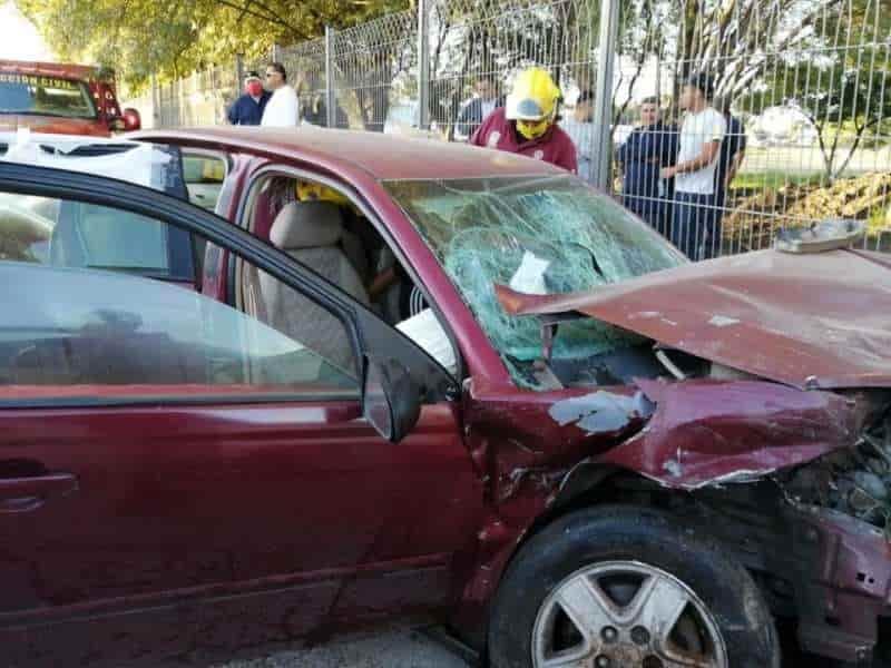 Dos personas lesionadas fue el saldo del choque frontal