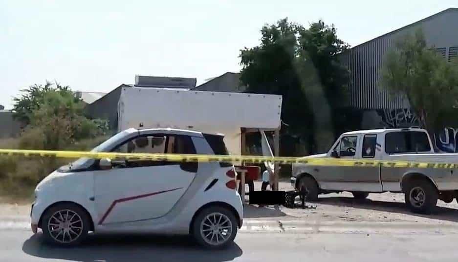 Dos hombres fueron balados por personas que viajaban en una motocicleta