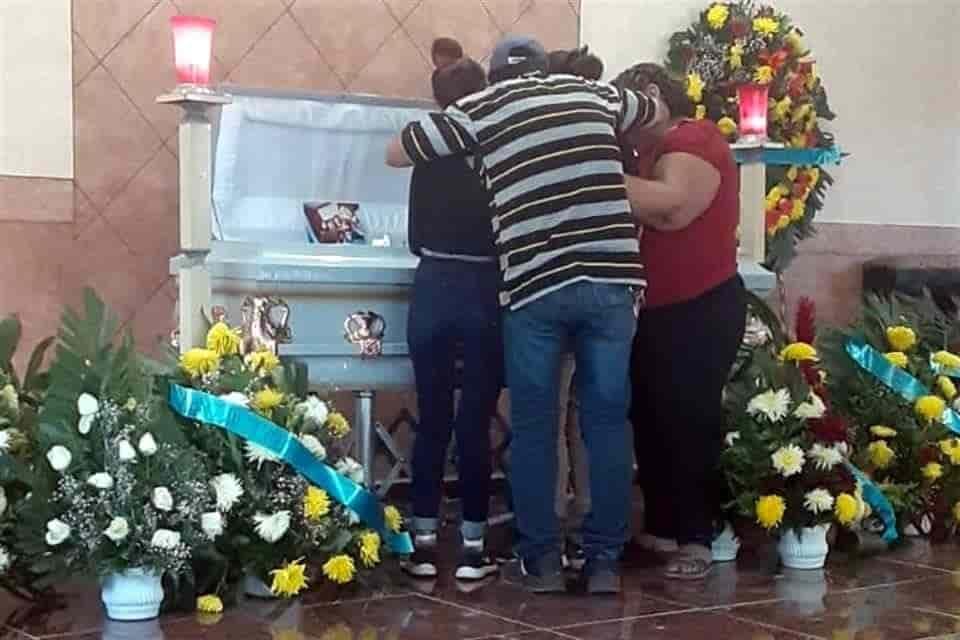 Familiares y amigos del joven asesinado reaccionaron enfurecidos, al saber que los autores materiales del crimen fueron liberados