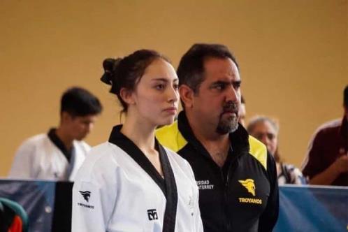 Los premian por formar a jóvenes a través del taekwondo