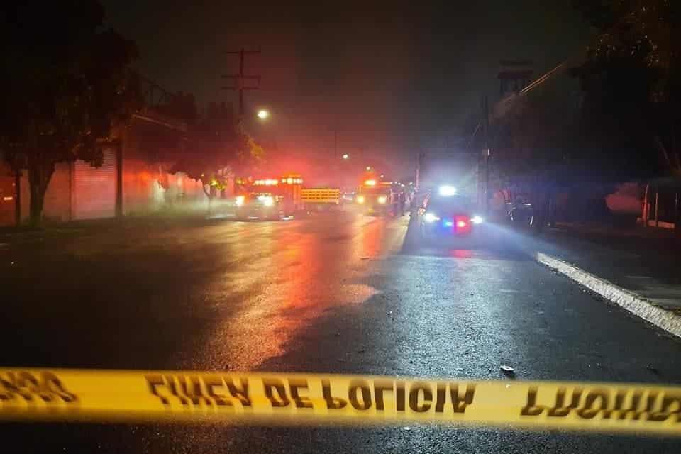 El incendio se registró en un negocio especializado en fumigaciones