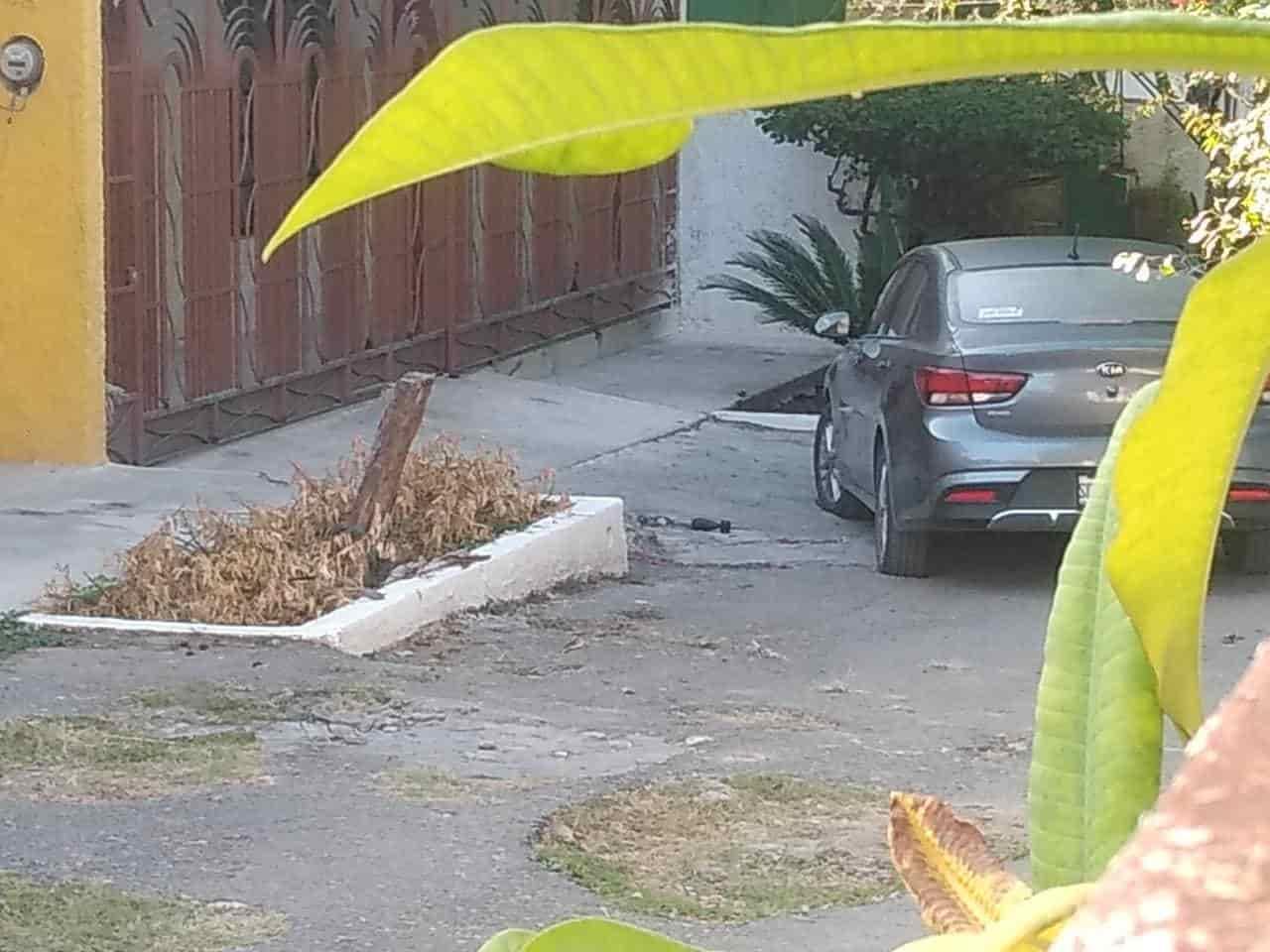 El artefacto explosivo fue hallado frente a un domicilio de la Colonia Los Arcos