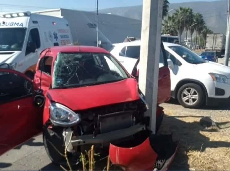 Falleció una mujer que viajaba en el auto compacto