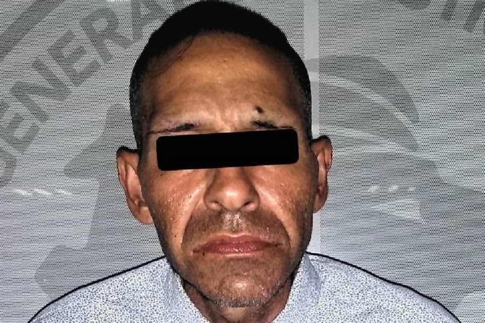 Por orinar en la vía pública, un narcodistribuidor fue detenido en Apodaca