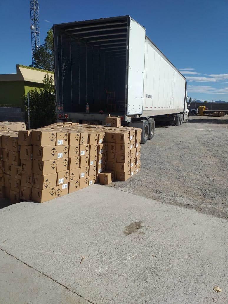 La AEI cateó una propiedad en el municipio de Galeana, donde encontraron mil 442 cajas con perfumes