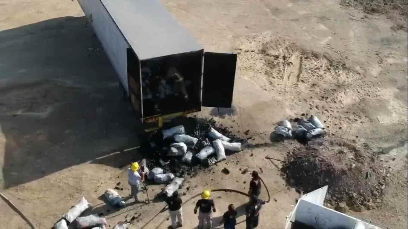 Se incendió un tráiler cargado con varias toneladas de carbón