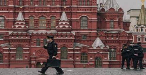 Vacunará Rusia a su ejército ante nuevos contagios
