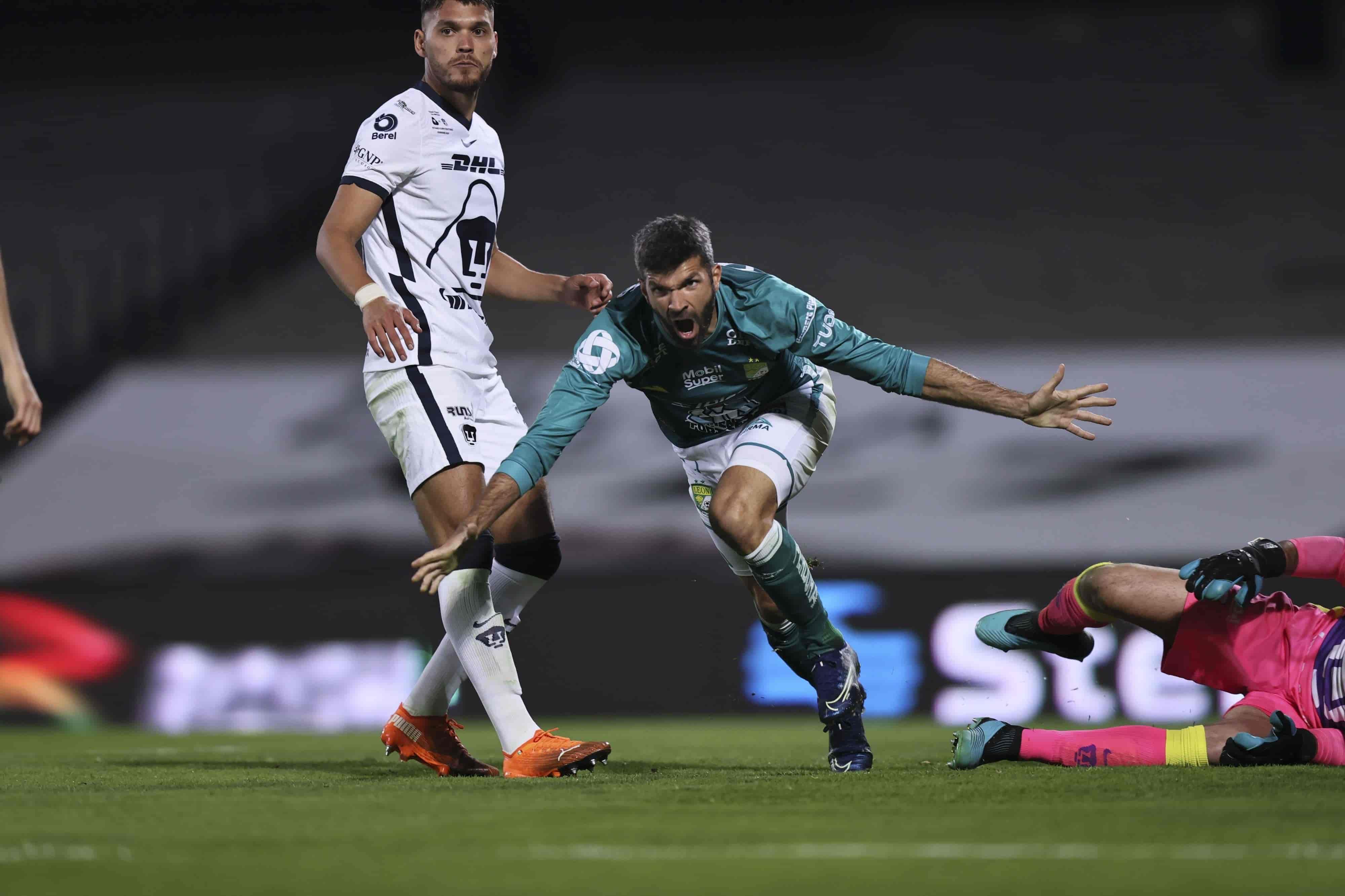 León empató el partido con 10 hombres