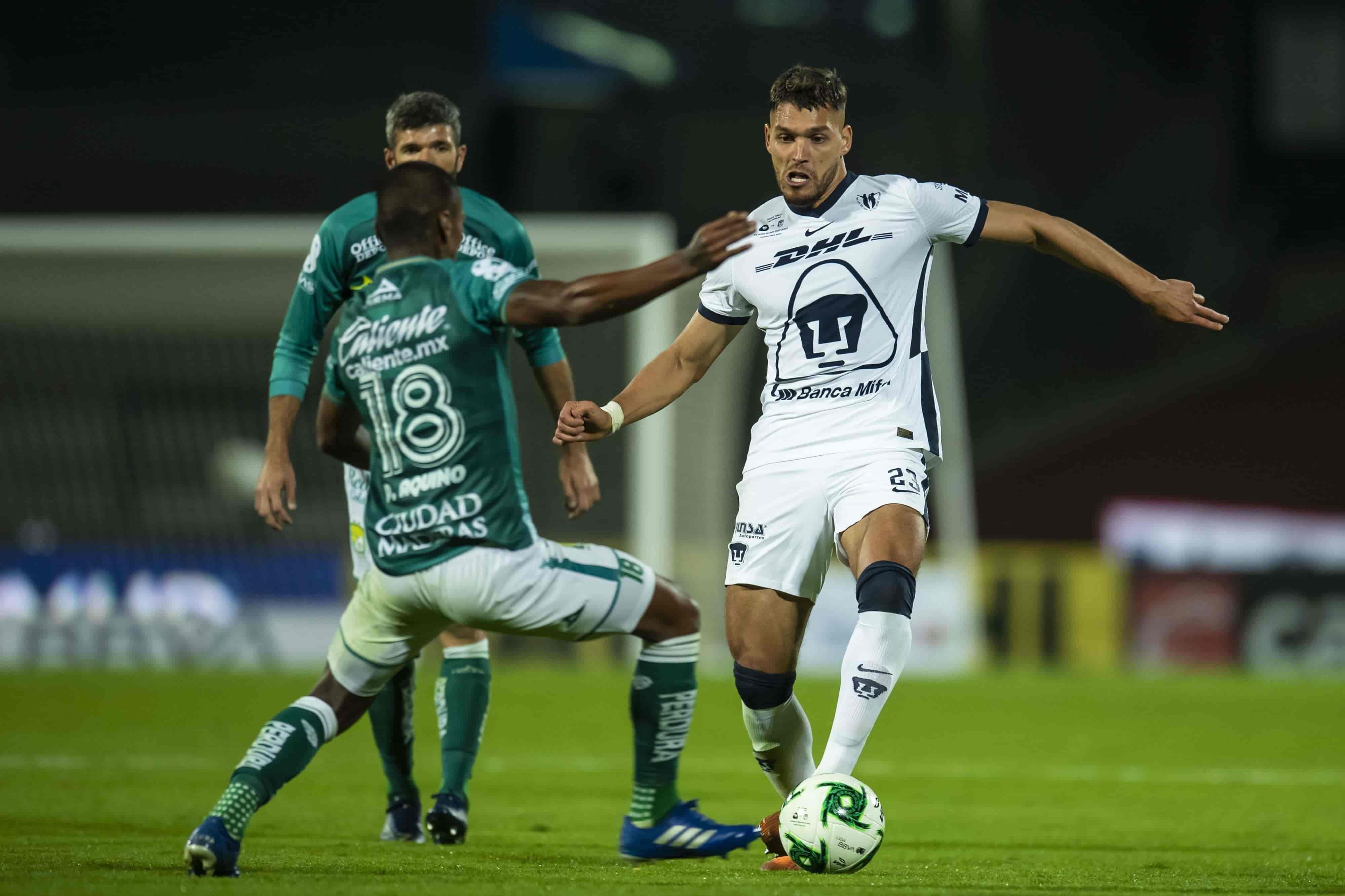 Carlos González anotó por parte de Pumas