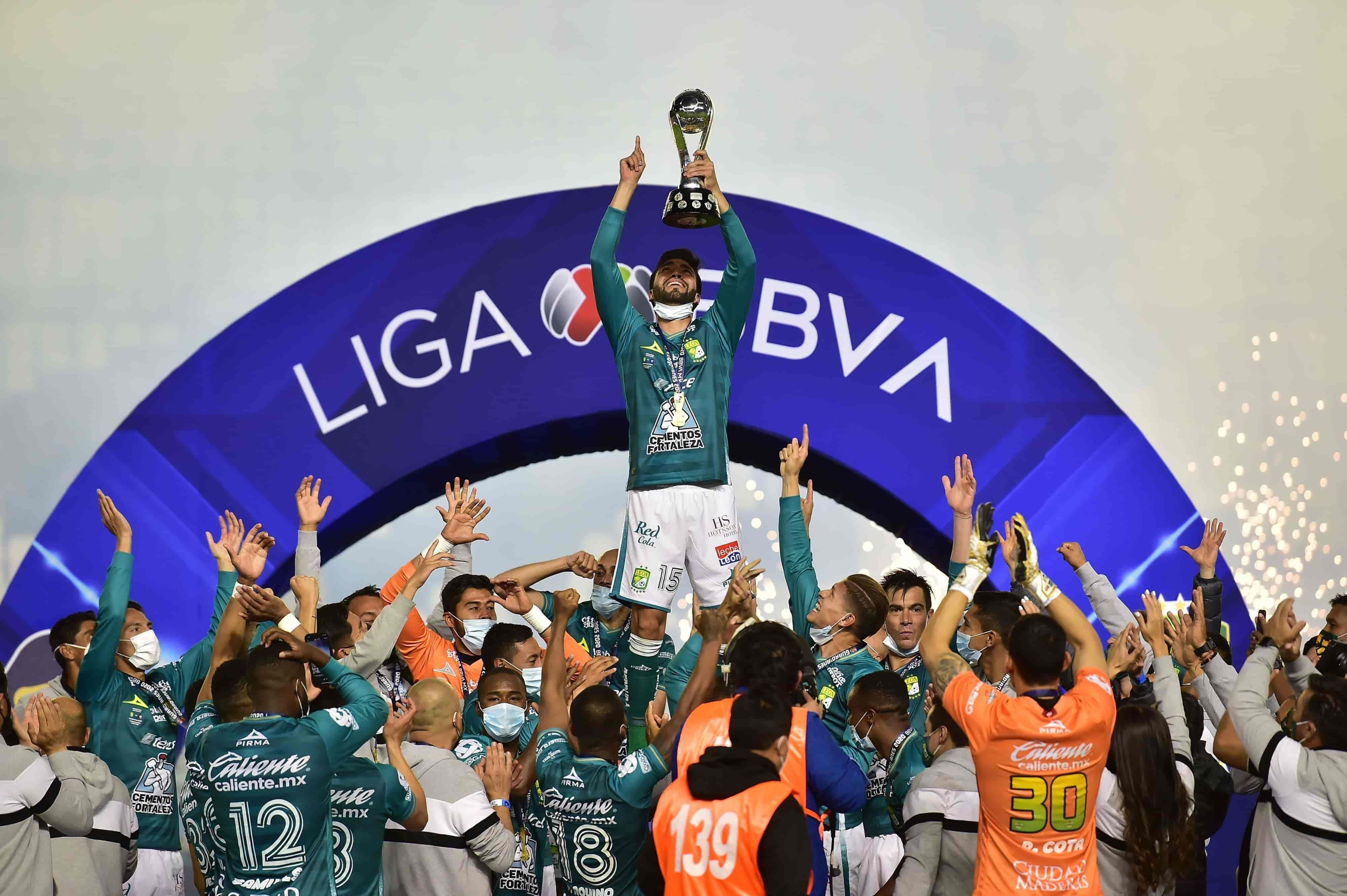 León 3-1 Pumas marcador global
