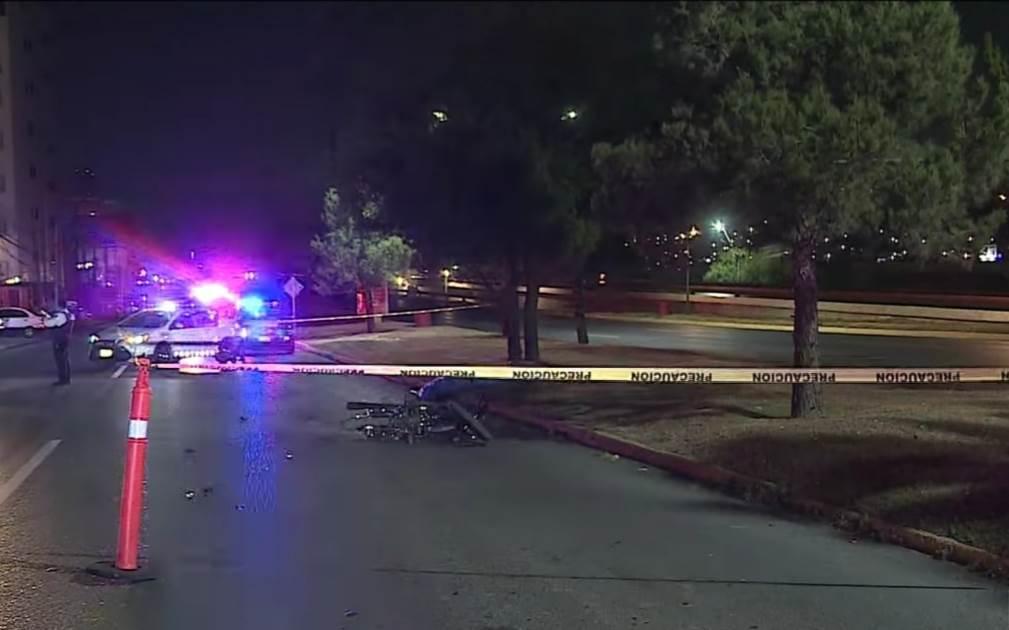 El motociclista falleció luego de estrellarse contra un árbol