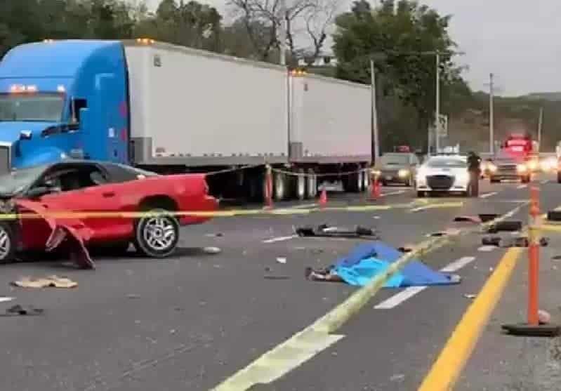 Un joven sin vída y otro gravemente lesionados, fue el saldo que dejó el accidente