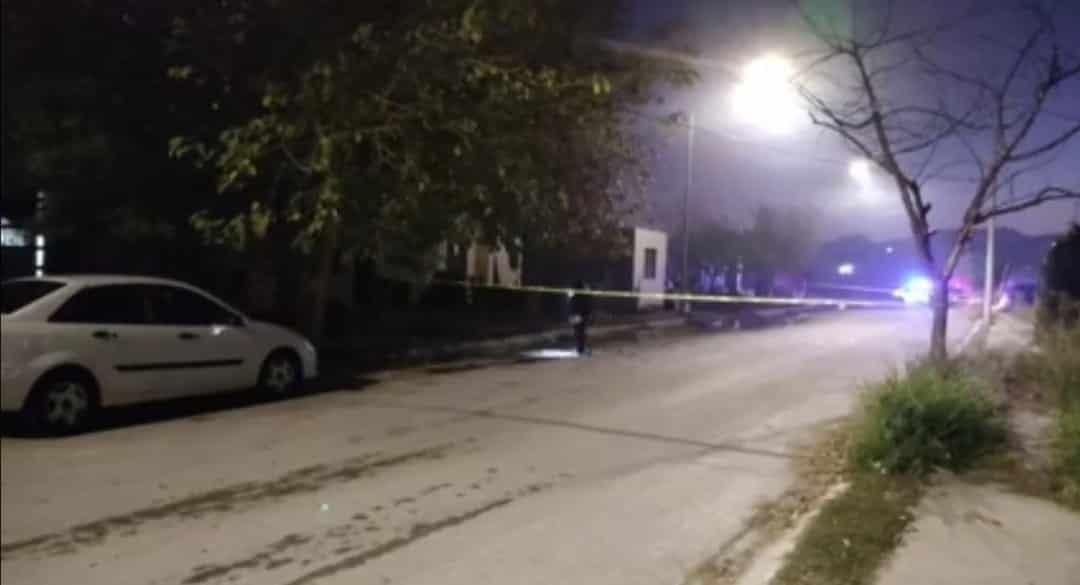 El hombre fue herido a balazos por delincuentes quienes se desplazaban en un vehículo