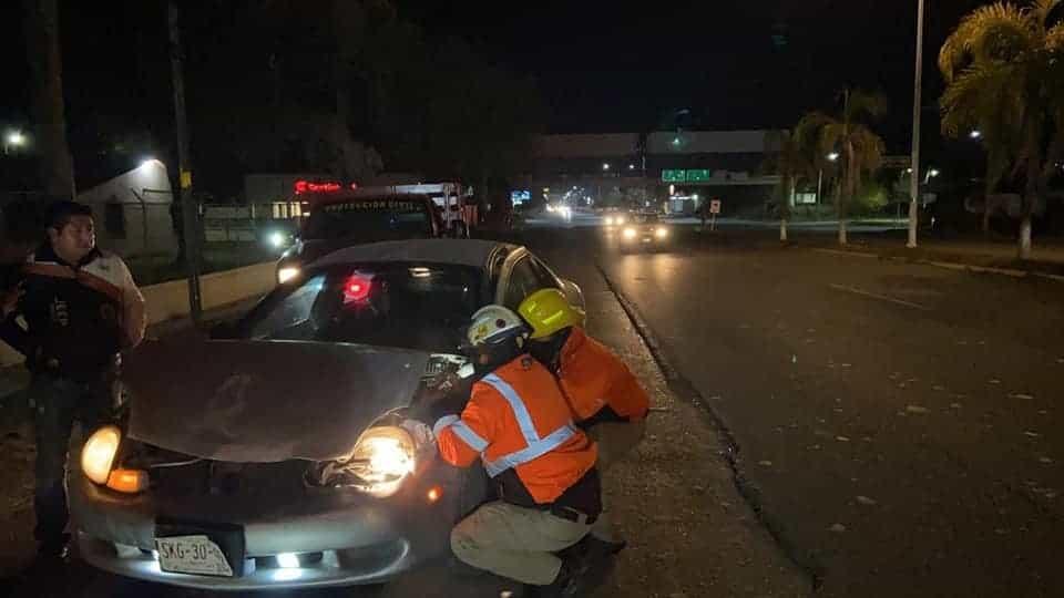 Dos personas con lesiones leves, fue el saldo que dejó el choque en Montemorelos