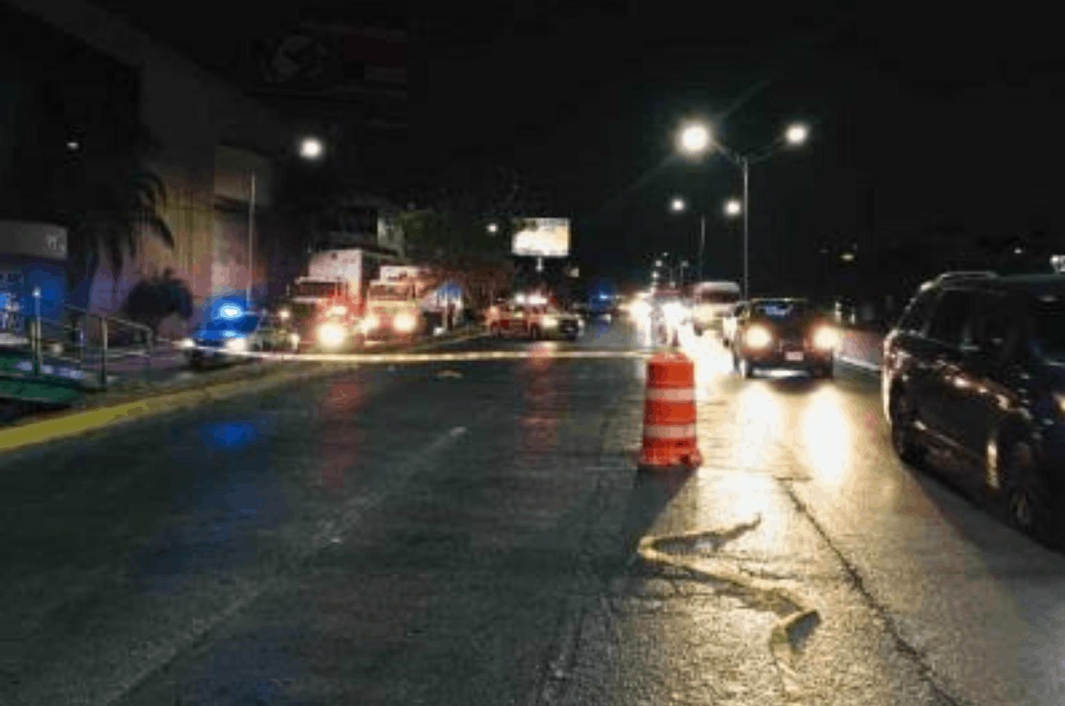 Indagan el caso de una mujer que resultó gravemente lesionada al desplomarse de un puente peatonal