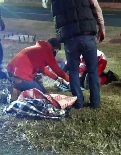 El motociclista terminó con heridas graves, después de ser impactado por alcance