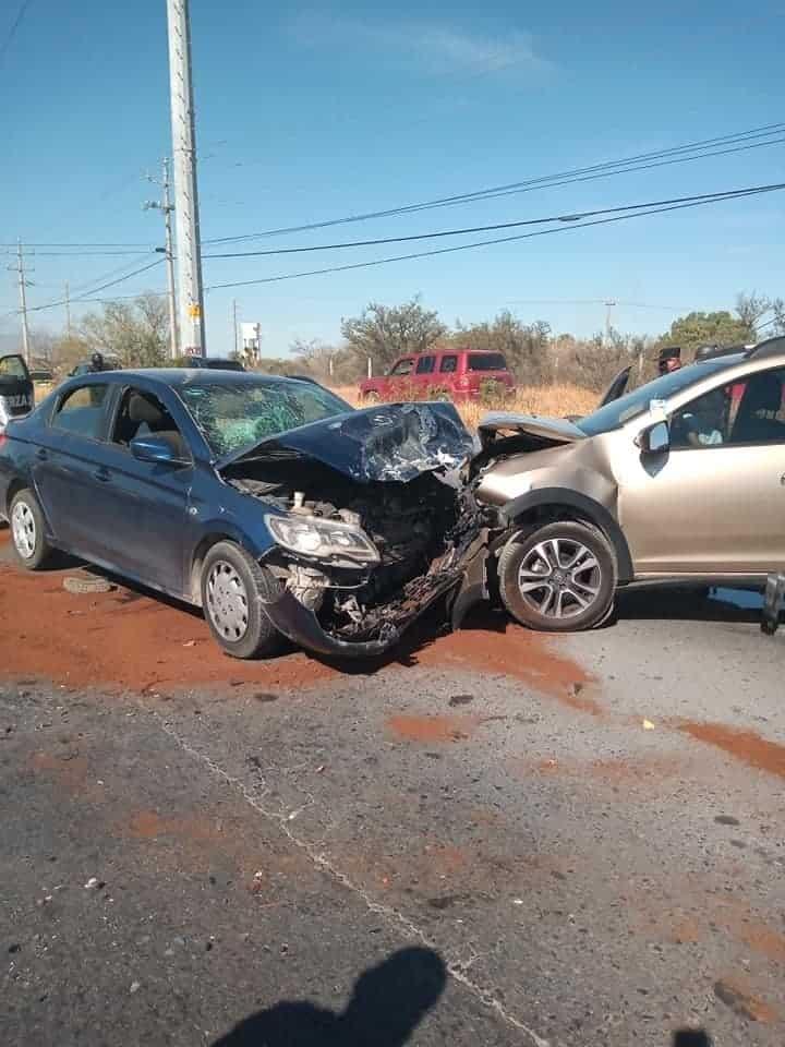 Tres personas lesionadas fue el saldo que dejó un choque frontal