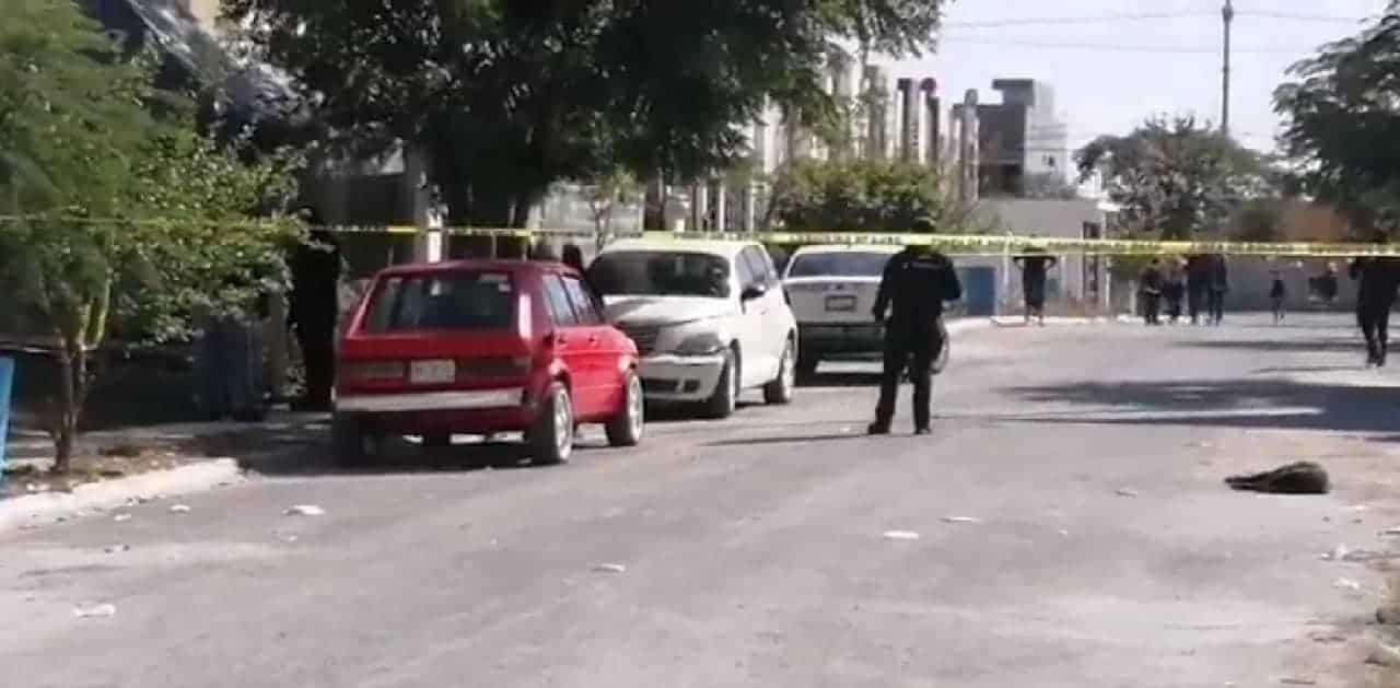 Un mecánico y un cliente fueron atacados a balazos cuando reparaban un automóvil