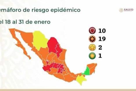 Cesan a director de hospital en Tabasco por vacunarse antes