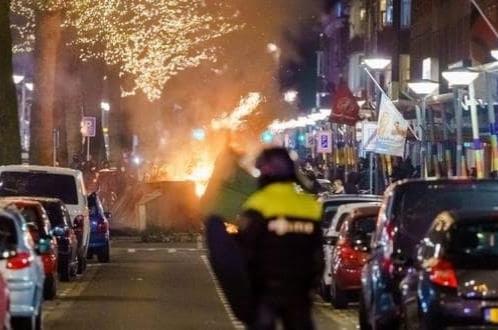 Continúan protestas contra toque de queda en Países Bajos