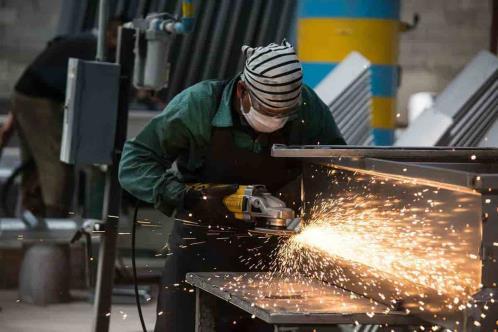 Economía reporta su menor crecimiento en seis meses