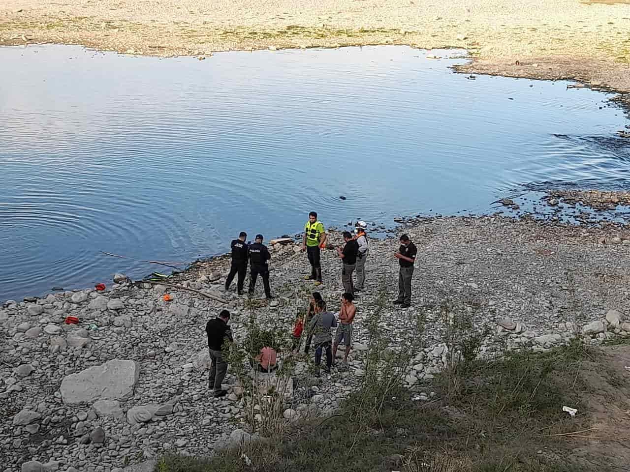 Cuando se encontraban nadando en el Río San Juan un tío y un sobrino se ahogaron